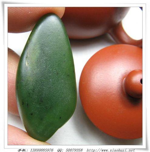 和田玉料 和田玉菠菜绿碧玉籽料原石图片
