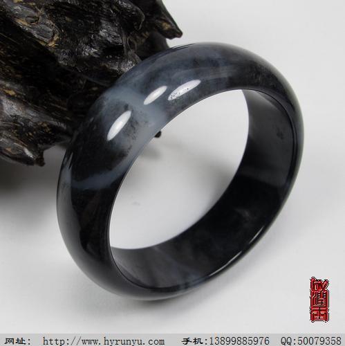 和田玉特色墨玉籽料手镯 56内径 71.5克