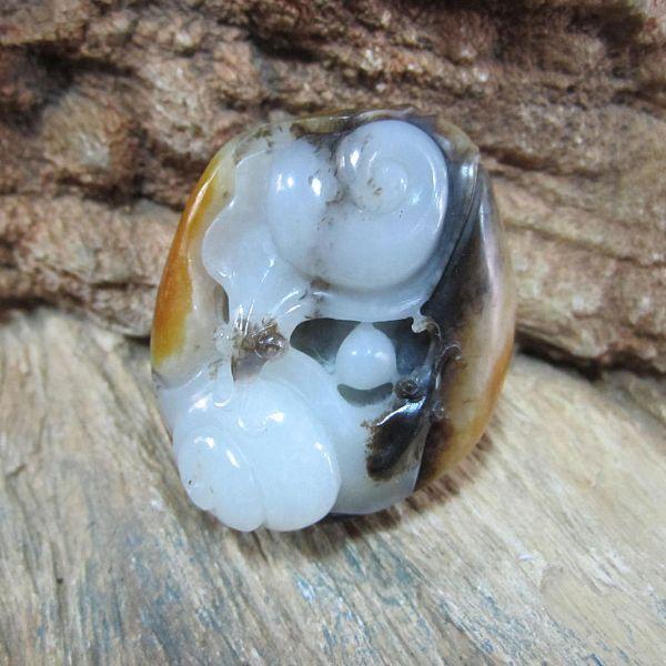 蜗牛玉雕图片_好料遇神工玉雕极品分享给朋友吧_钻石珠宝
