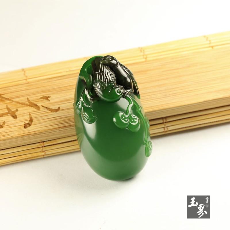 碧玉巧雕挂件-喜报三元