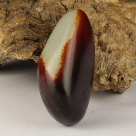 和田玉 籽料 枣红皮原石