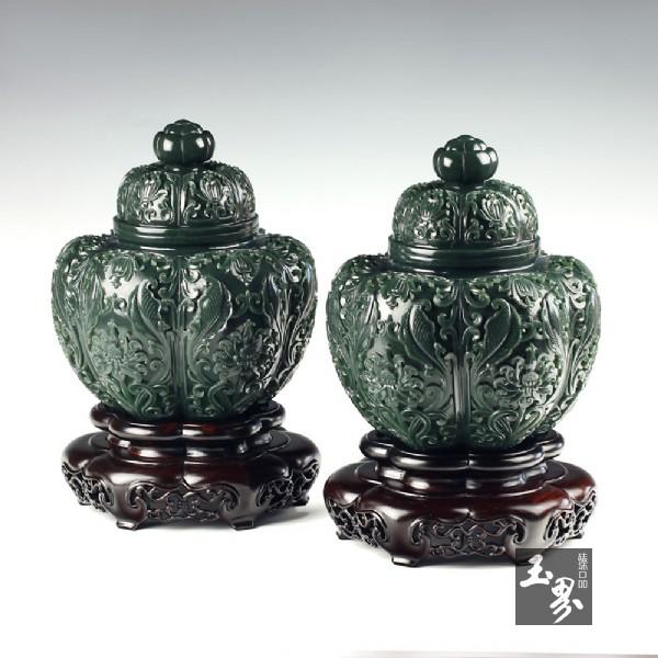青玉-花卉纹饰瓜棱罐