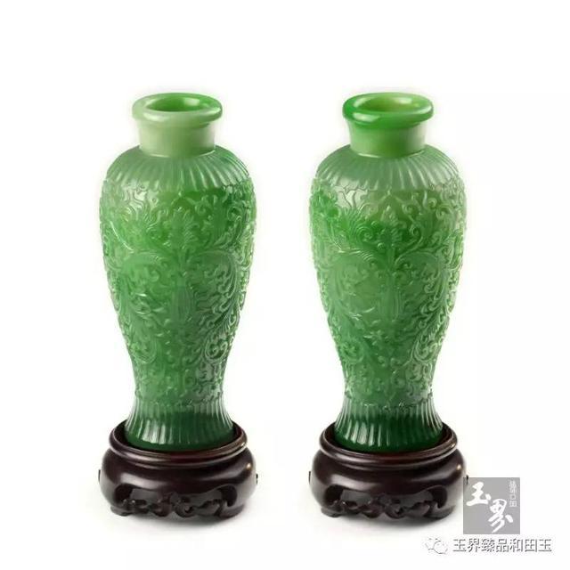 碧玉-纹饰雕花梅瓶