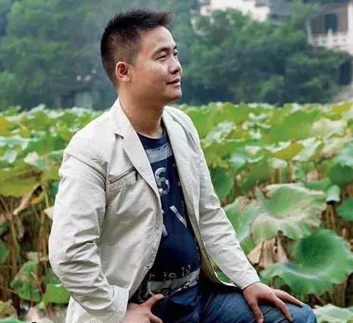 清雅淡逸 灵动随性——殷小金玉雕作品赏