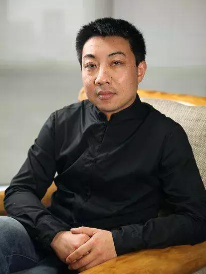 冯钤:<a href='http://m.chinajade.cn/'>和田玉</a>墨玉青花的黑白水墨巧色创作浅谈